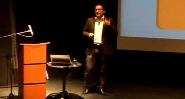 Juan Carlos Mejía Llano en conferencia de Inbound Marketing en Asomercadeo