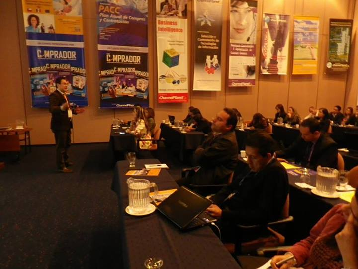 Juan Carlos Mejía Llano conferencista evento Servicio al Cliente 2.0