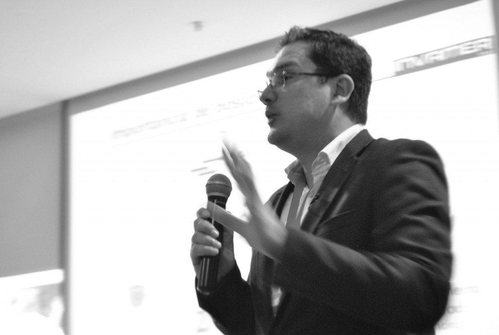 Juan Carlos Mejía Llano en conferencia de Congreso Internacional de Comunicación Digital