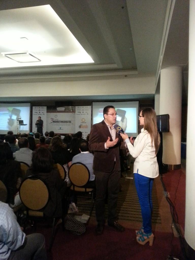 Juan Carlos Mejía Llano en entrevista para Globovisión durante el Congreso Internacional Marketing Digital Caracas