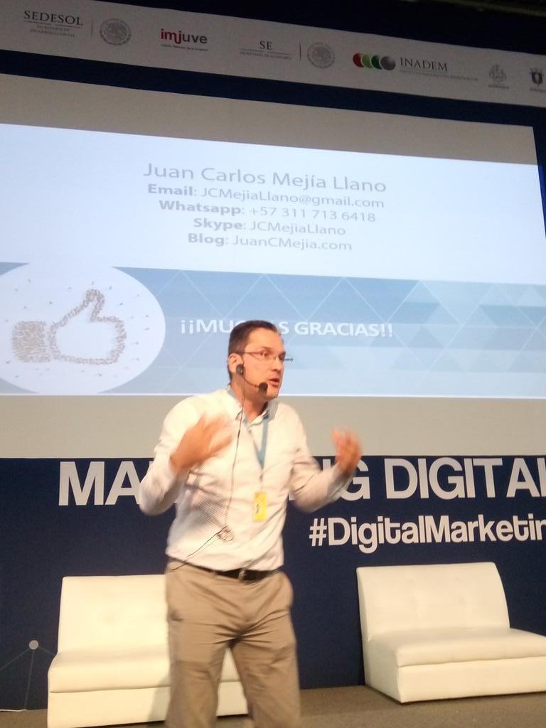 Foto Juan CArlos Mejía en conferencia 74