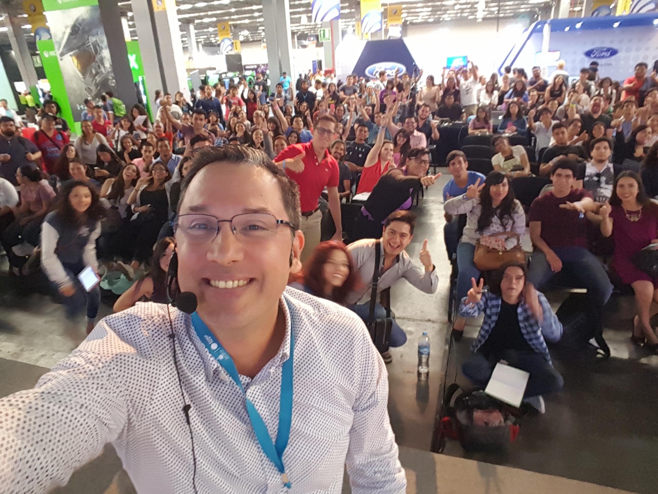 Selfie Juan Carlos Mejía Llano Campus Party México